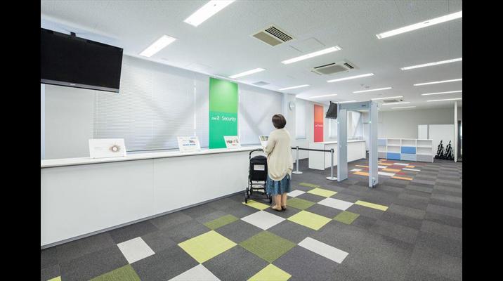 館内に導入しているハイスペックなセキュリティ設備を、見学のお客様が実際に体感することができるスペースを用意しています。