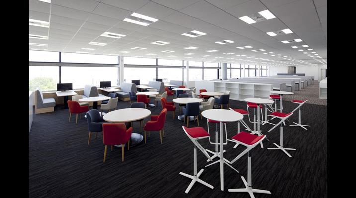 クリエイティブエリアは、フロアごとにさまざまなデザイン、パターンの席を用意しています。