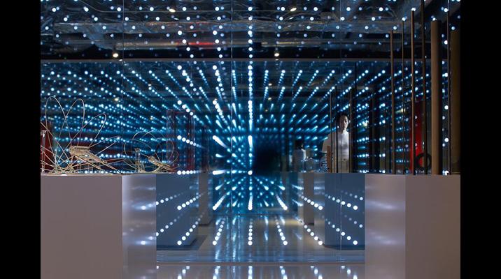光のDotはブランド表現だけでなく、製品のコア技術を表現。展示製品をより直感的に理解することができます。