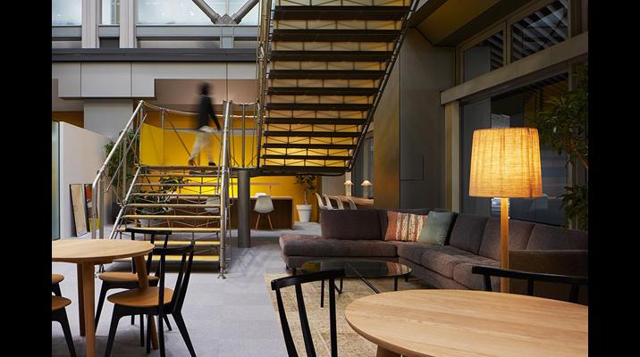 明るく開放的な場所だけでなく、適度にこもり感のあるスペースも用意されており、自分で選んで使うことができます。