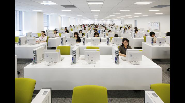 OBPオフィス内で、振込伝票をイメージ処理する部署のフロア。ペーパーレスで業務を運営しています。